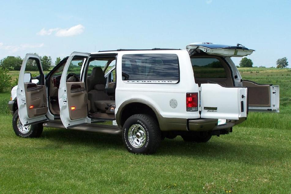 2004 Ford Excursion Project Site Exterior Photos